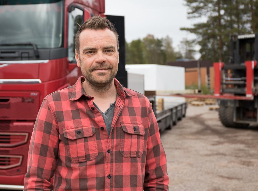 Jonas Hansson, tranportplanerare på Isolamin i Överkalix